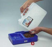 Proviantní kanystr na vodu a granule